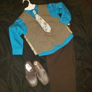 Other - Boys 4t Dress Suit w Paisley Tie Size 10 Shoe